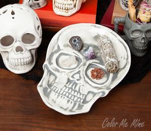 Tucson Mall Vintage Skull Plate